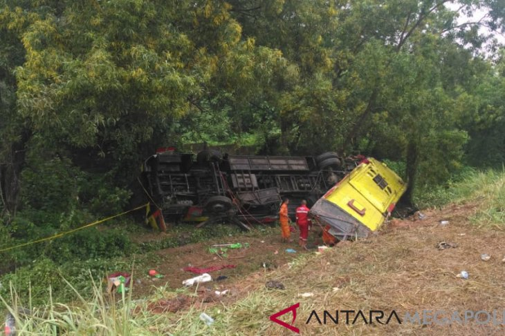 Six dead in Cipularang toll road's multi-vehicle crash: Jasa Marga