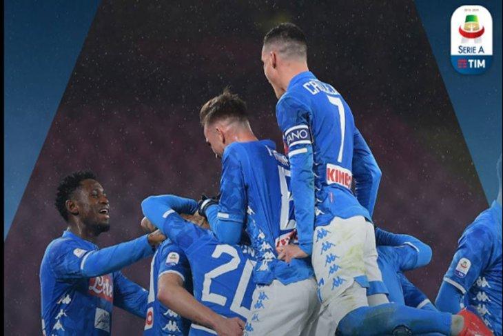 Napoli sudahi perlawanan Lazio 2-1