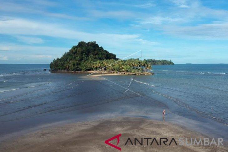Batu Malin Kundang di Padang akan direvitalisasi