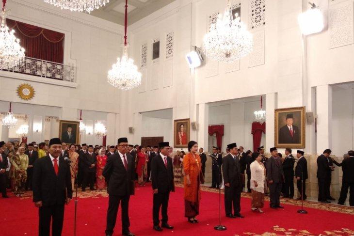 Presiden Jokowi saksikan pengucapan sumpah jabatan tujuh komisioner LPSK
