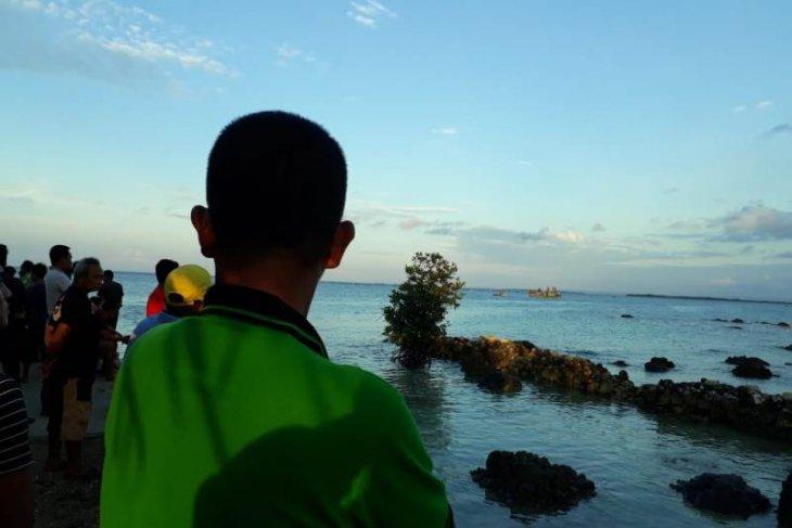 Dua warga Nias Selatan hilang di Pantai Tureloto