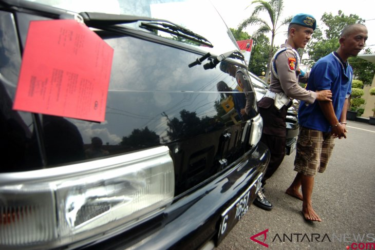 Polisi ungkap kasus penipuan modus jual-beli mobil  mewah