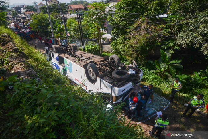 Two killed in bus accident in West Java