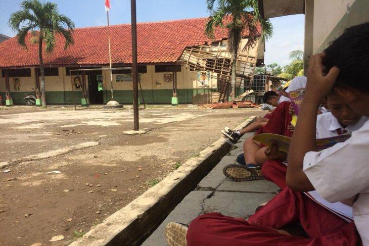 Pemkab Karawang alokasikan Rp13 miliar penyediaan toilet sekolah
