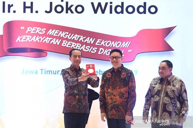 President Jokowi awarded Press Freedom medal