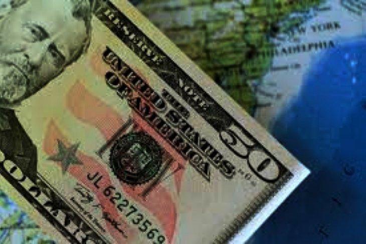 Kurs dolar menguat di tengah penurunan sterling akibat kekhawatiran Brexit
