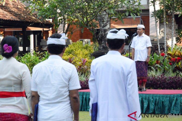 ASN Pemprov Bali apel berbusana adat