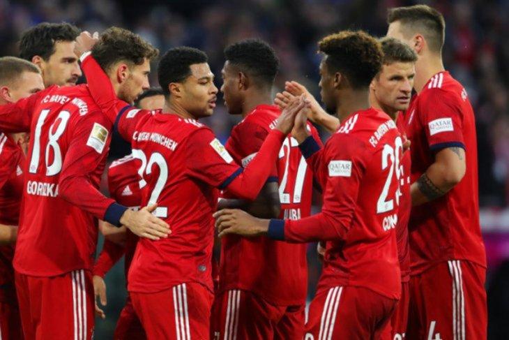 Bayern pangkas jarak dengan Dortmund setelah bekuk Schalke 3-1