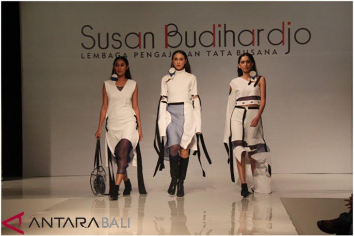 12 desainer murid Susan Budiharjo sajikan