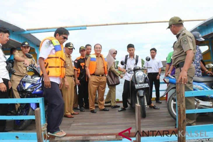 Pemkab HSS sediakan angkutan feri penyeberangan Habirau Tengah - Tambangan gratis