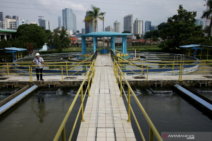 Jakarta to stop privatization of water supply