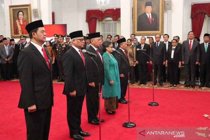 Jokowi inaugurates five new ambassadors