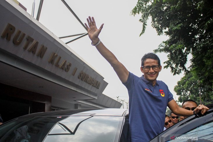 Sandiaga Uno visits Ahmad Dhani at East Java`s Medaeng prison