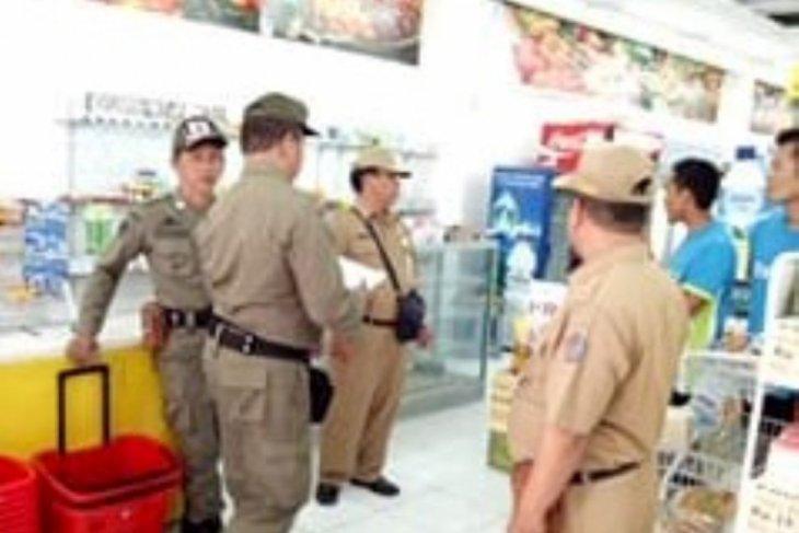 Tim Kecamatan Denpasar Selatan sidak kantong plastik di toko Modern