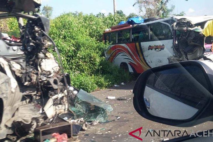 Belasan Penumpang Bus Dilarikan Ke Puskesmas Di Aceh Besar Antara News Aceh