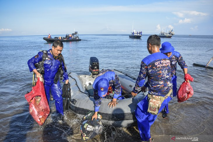 Fifty tons of marine debris picked up from Wakatobi: official