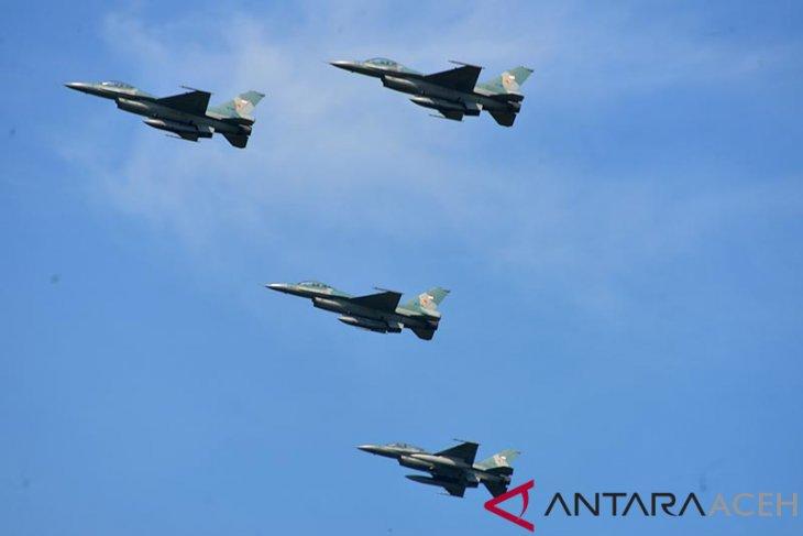 TNI-AU bantah tiga jet tempur halagi pesawat Prabowo
