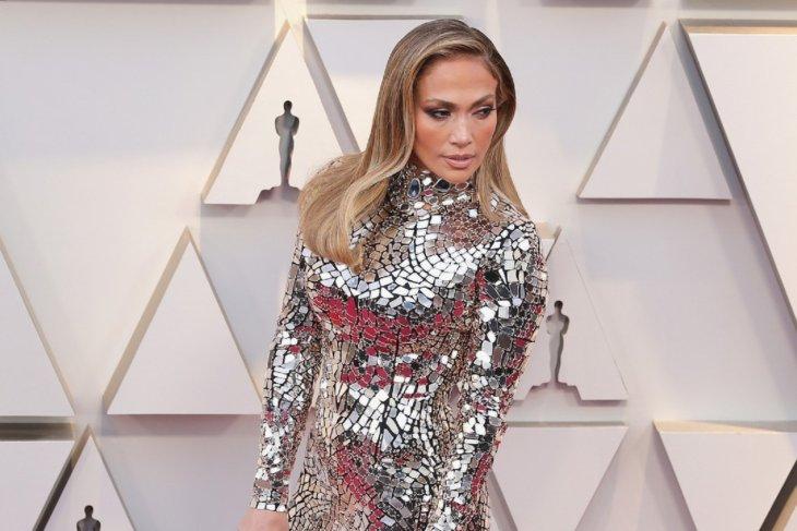 Jennifer Lopez Gunakan
