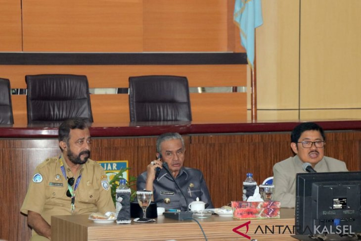 Banjar govt opens Paramasan from communication isolation