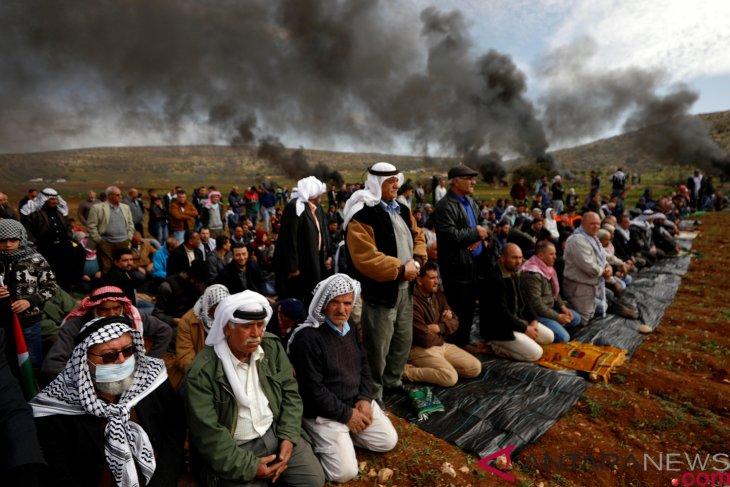Israeli settlers vandalize mosque near Ramallah