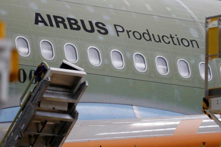 Luhut minta Airbus produksi komponen pesawat di Indonesia
