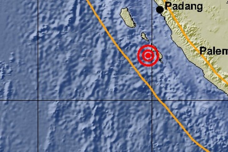 Two strong earthquakes hit West Sumatra`s Mentawai Islands district