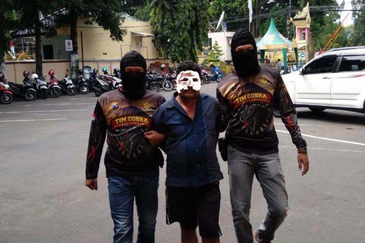 Polisi Lumajang Tangkap Pelaku Pembacokan terkait Polemik Lalu Lintas Penambangan Pasir