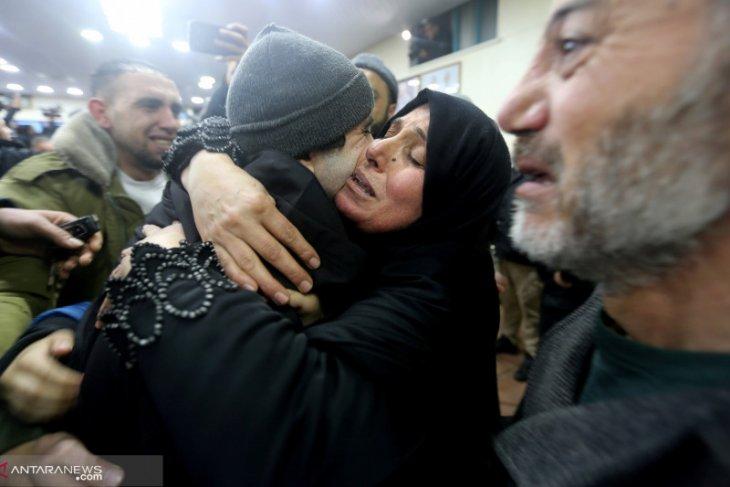 Berpisah 20 tahun, ibu dan anak Palestina ini bertemu di Mesir