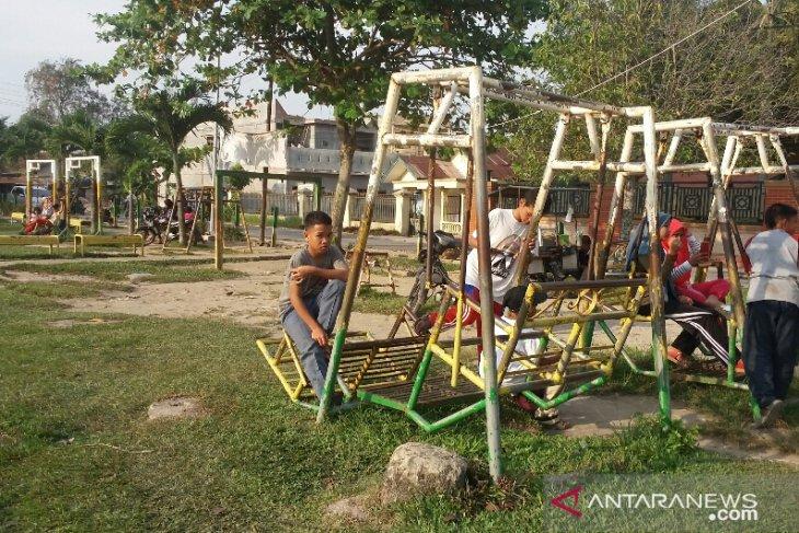 KPAD Labura minta pemkab benahi taman bermain anak