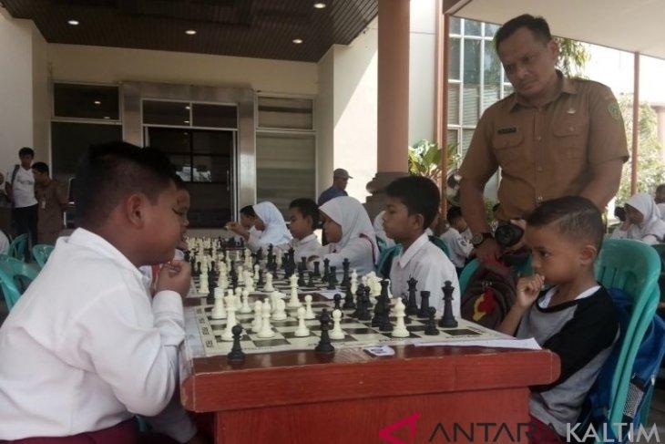 Pecatur Cilik Penajam Ikuti Turnamen Catur HUT Kabupaten