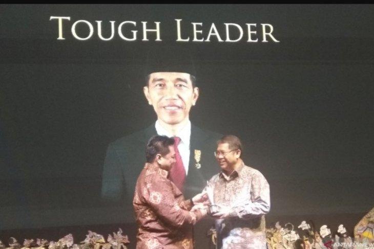 Presiden Jokowi peroleh penghargaan Tough Leader Obsession Awards 2019