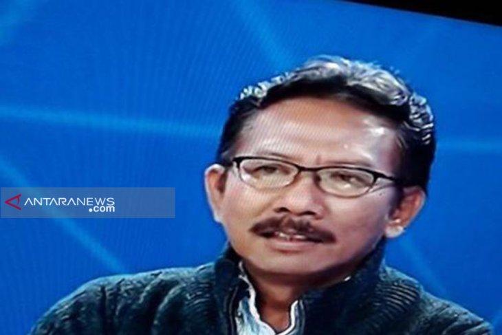 YLPK : Gubernur Jatim harus buktikan mampu kelola SMA/SMK di Surabaya lebih baik dari sebelumnya