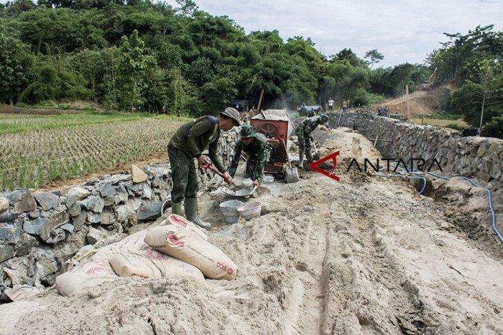Tentara Manunggal Membangun Desa di Kabupaten Sukabumi