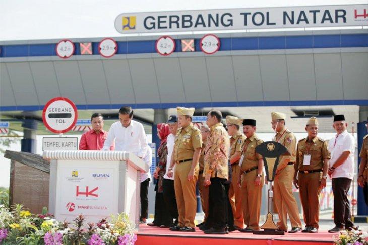 Jokowi dan Ridho Resmikan Jalan Tol Lampung dan Dermaga Eksekutif