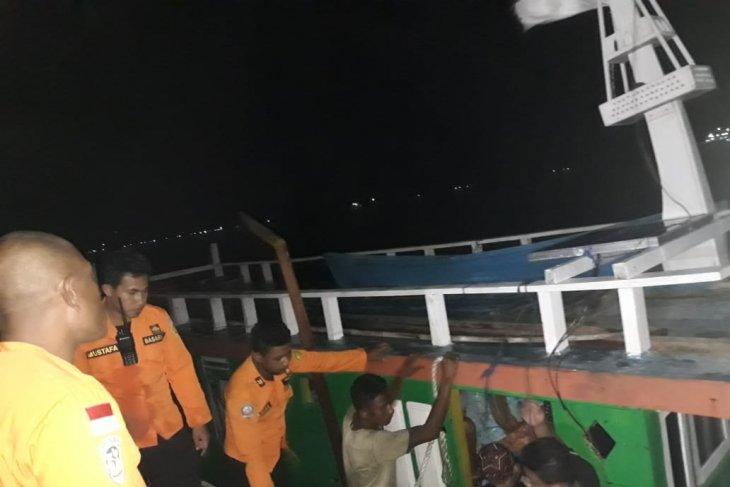 Tim SAR gabungan evakuasi KM Arma Widjaya