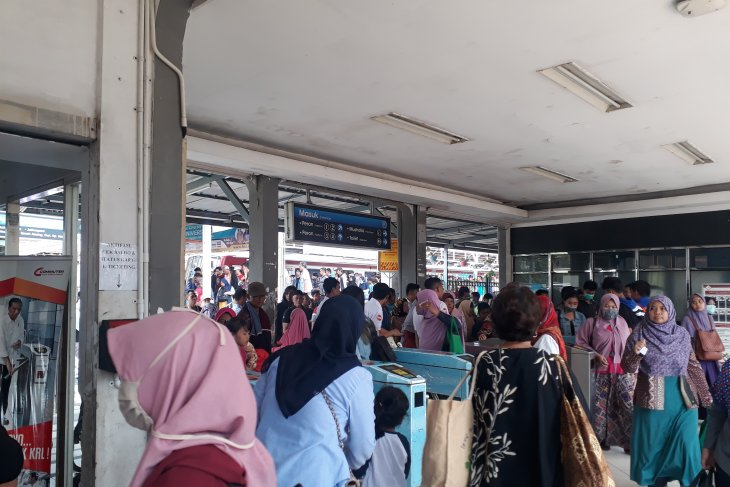 KRL Jakarta-Bogor hanya sampai Depok