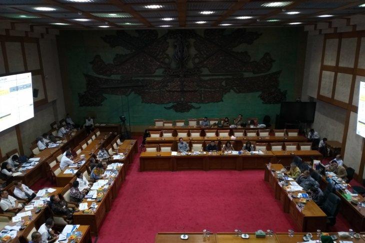 Minister Indrawati to change luxury vehicle sales tax scheme