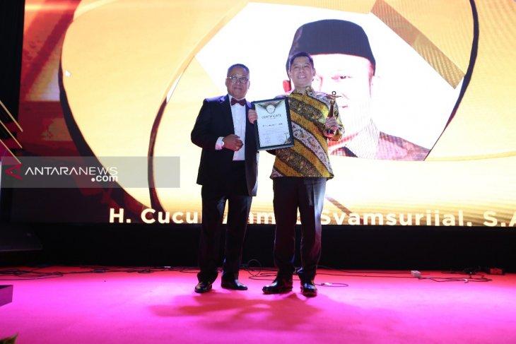 Adies Kadir perjuangkan penghapusan retribusi IPT warga Surabaya