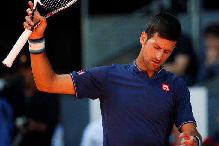 Djokovic dan saudaranya kalah di babak pertama Monte Carlo