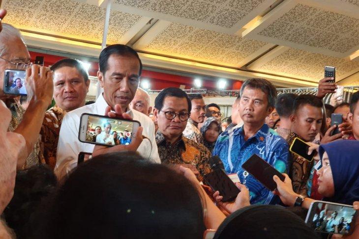 President stresses importance of flight safety
