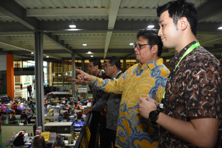 Industry Minister targets footwear exports to reach US$6.5 billion