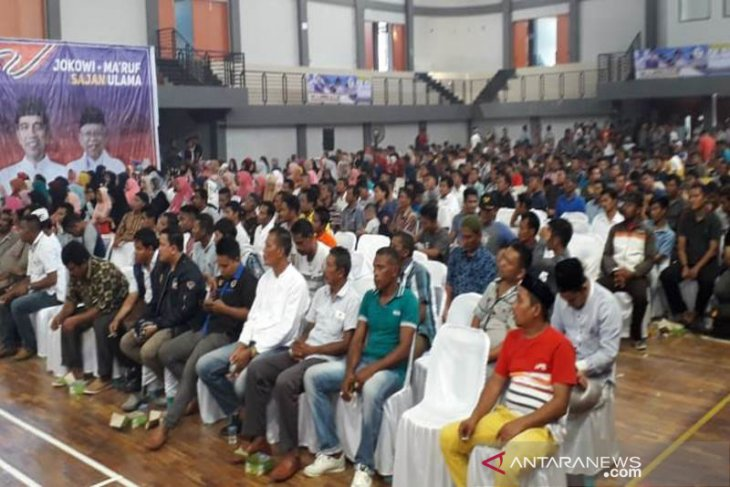 Relawan dan simpatisan deklarasi pemenangan Jokowi-Ma'ruf di Aceh Barat