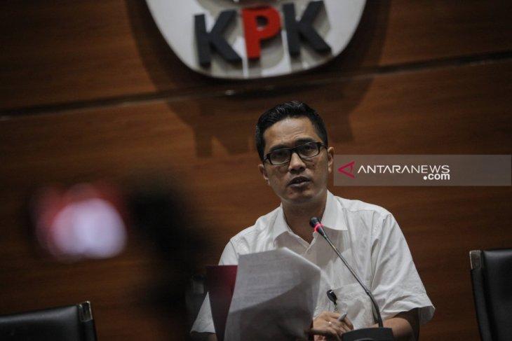 KPK periksa 12 saksi suap jabatan Kemenag di Surabaya