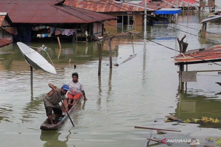 TNI Commander, Police Chief arrive in Jayapura for work visit