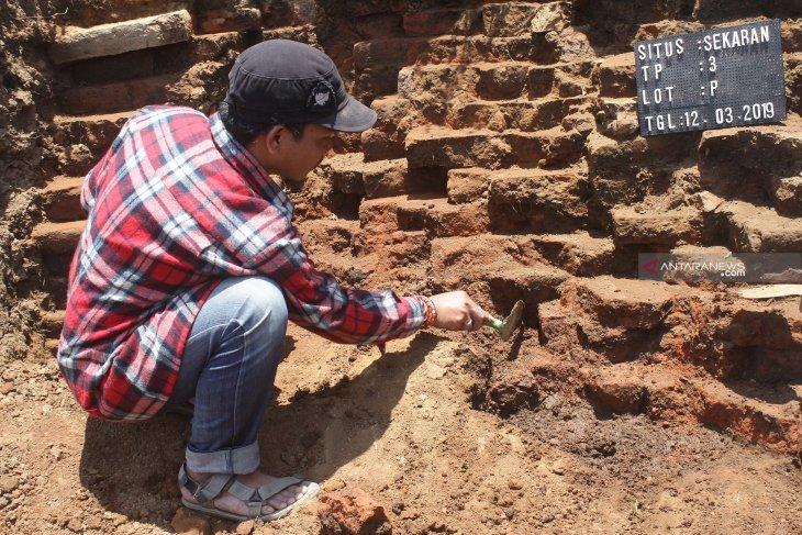 Numerous motifs discovered in rock art site on Kaimear Island