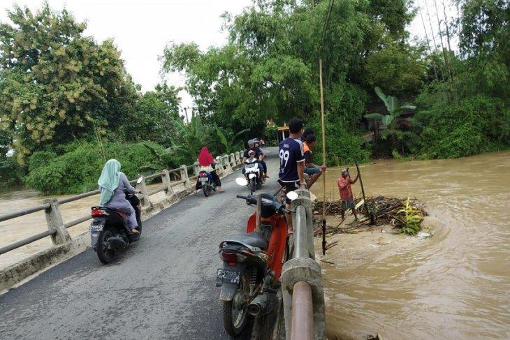 Waspada hadapi banjir di Bojonegoro masih diberlakukan