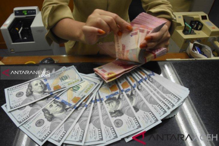 Kurs rupiah diprediksi menguat seiring pengumuman hasil RDG BI