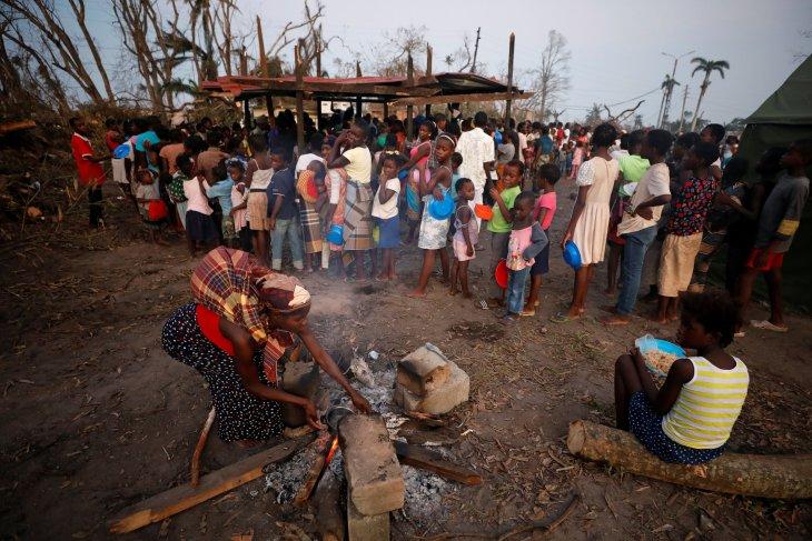 Sedikitnya 843 orang meninggal, ratusan ribu lainnya butuh bantuan setelah topan menerpa Zimbabwe