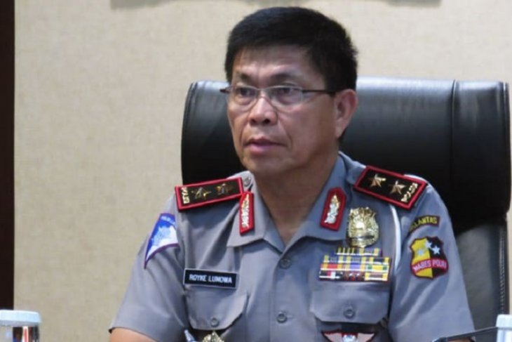 Maluku regional police chief receives three main transferred officers