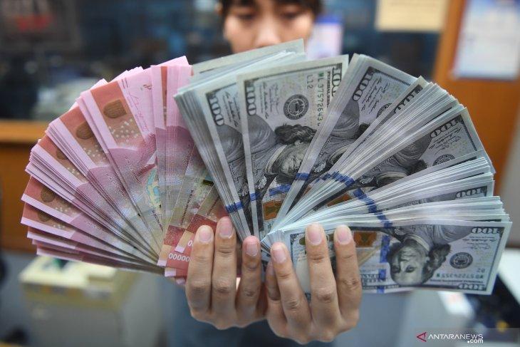 Rupiah terkoreksi dipicu kekawatiran pasar terkait potensi  perang dagang